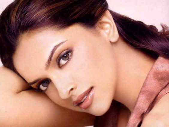 Deepika-and-Sonam-are-interested-in-married-men